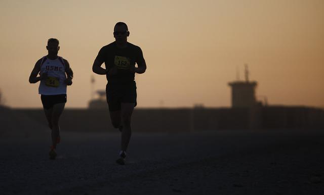 b40d99bb1ef ... att börja med ett lopp på cirka 10 kilometer, innan du väljer ett  halvmaraton och ett halvmaraton innan du går vidare till att springa ett  helt sådant.